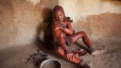 """世界上""""最脏""""的女人,从出生到老都不洗澡,痒了就拿泥巴糊"""