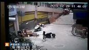 云南:顽童鞭炮扔窨井 无辜孩子被炸身亡