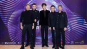 19岁陈立农获颁最受欢迎港台男歌手,与西城男孩亲密互动