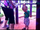 田小朗的超强臂力(一岁三个多月)