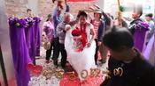 广东云浮罗定农村结婚风俗视频:这样的新娘子入门风俗有见过吗