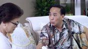 老头给老太太送保健品,却被旁边的女人眼红,立马上赶着去问!