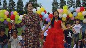 江苏南京高淳小朋友领头高唱《我爱你中国》,青春活泼代表了未来