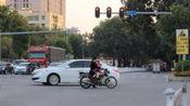 """交警提醒: 这4种""""闯红灯""""不会被扣分罚款, 车主: 这下可以安心开车了"""