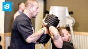 健美运动代尔茨和三头肌锻炼|多里安耶茨血液和胆量