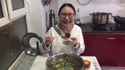 双胞胎准妈妈制作适合孕期的麻辣烫,一家人吃得真香
