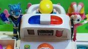救护车来了,怎么给病人检查,小朋友们知道急救电话是多少吗?