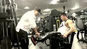 鹿神腿部教学之坐姿腿屈伸,有助于锻炼整个膝关节!