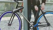 留学生发明偷不走的自行车,不需要额外配车锁,小偷以后强拆也骑不走了!