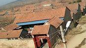 站在我家的房顶上,能看到全村的布局和房子,才发现奶奶和姥姥家是邻居!