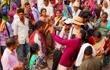 印度种姓制度下等级森严,如果老外移民到印度,该怎么划分等级?