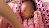 """孕妈睡觉时,腹中""""胎宝""""在做什么?看完孕妈心都酥了"""