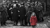 九岁华裔女孩拉琴演绎《辛德勒的名单》致敬经典,导演史蒂文·斯皮尔伯格史上最剜心的一抹红