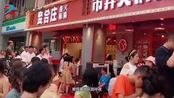 网友打卡陈赫火锅店,排队8小时到半夜,5人点30道菜被账单吓到