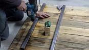 大叔用再生木锯了一张木桌,制作的太到位了,感觉能用几十年