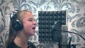 小女孩翻唱俄罗斯维克多·崔经典歌曲《Кукушка》(布谷鸟)非常的好听