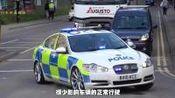 女司机拿证1天就出事故, 对方竟是巡逻交警, 网友: 回炉改造吧!