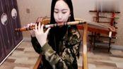 美女竹笛演奏一曲《站着等你三千年》等你三年又三年,太好听了