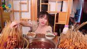 戚薇的串串店开业了!客人一小时吃1800根,看到账单脸色却变了