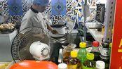 济南历下区韩国城,大哥卖牛肉汤10元一碗,辣椒不小心放多了