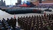 德军兵临城下,斯大林力排众议,仍举行25分钟大阅兵