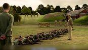 戴斯蒙德不愿意拿起枪,被战友们嘲笑戏弄,觉得他是懦夫