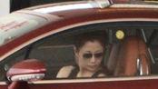 她是演员中的女富豪,豪车数量赶超男明星,一个礼拜换着开不重样
