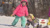 李亦航在雪地里想上厕所,小亮仔让他憋着吧!小亮仔心中只有考拉