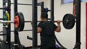 膝盖积水前交叉韧带损伤4个月后恢复深蹲训练(第二周,3x8,110kg)