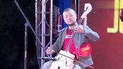 内蒙古歌手演唱草原《赞歌》,吉亚图马头琴伴奏,太好听了