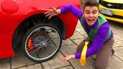 男孩车轮胎被偷,机智的他竟然用自行车胎代替,还将车开出去了