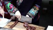 实拍云南人做美味,妇女直接烤三条鱼来吃,制作过程看的都过瘾!