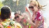 倍受欢迎的乌克兰泼水节:女孩看对眼就能抱走?场面一度失去控制!