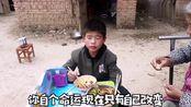 河南周口11岁孩子父亲去世母亲改嫁,没有任何依靠什么都要靠自己