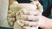 景德镇的传统手工艺制作没有任何华丽技巧只有一双手