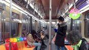 美国疫情确诊超38万例 真实镜头下纽约地铁街区民众佩戴口罩实况