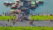 西湖已经对游客开放了,但是还要戴口罩才能进入,非常时期我表示理解!