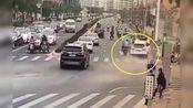 【广东】汕尾今晨突发严重交通事故 致2人当场死亡3人受伤