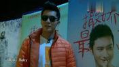 众人见到黄晓明的海报, baby: 他是我的! 李晨: 没有人跟你抢!