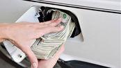如果养一辆10万的车,一年大概要花多少钱?