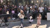 十岁美国女孩Karolina Protsenko 在街头用小提琴演奏《Lambada》
