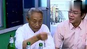 """渔家宴上,上等的辽参煮熟后蘸着酱整个吃,当地叫做""""太太乐"""""""