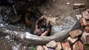 下水道里的地下王国, 居住着6000多人, 充斥着毒品和艾滋病患者