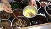 25年面馆每天至少卖500碗 招牌青椒干鸡燃面10块钱一份