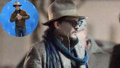 约翰尼·德普麂皮夹克叠穿格纹衬衣 印花方巾痞帅朋克