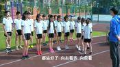 女生校服上被写上丑女,不敢上体育课,老师的举动很是暖心