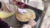 实拍山东滕州菜煎饼制作过程, 7元一个特别扛饿, 碰到一次买一次