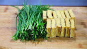 一把韭菜,几块香干,掌握这个方法,简单一做,比大鱼大肉还好吃