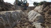 36吨挖掘机都挖不开的花岗岩用这东西就能轻松破开? 啥原理?