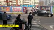实拍 郑州市区斑马线前,汽车礼让行人者寥寥无几